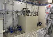 Sistema di dosaggio con taniche in FRP e pompe ATEX